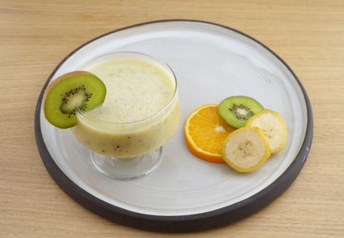 Bananen-Kiwi-Smoothie mit Chiaöl