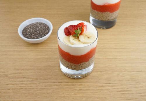 Chia[-]pudding mit Erdbeer[-]sauce und Kokos[-]joghurt by meinleckeresleben.com