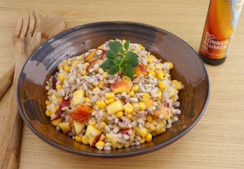 Fruchtiger Maissalat mit Rollgerste