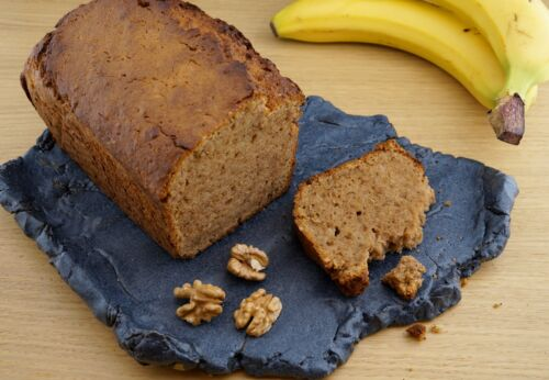 Glutenfreies Bananen[-]brot mit Hasel[-]nussmehl