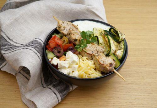 Griechische Bowl mit Cuvée SIEBEN