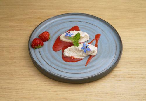 Hirsenockerl mit Erdbeersauce