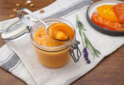 Kalte Tomaten-Marillen-Suppe