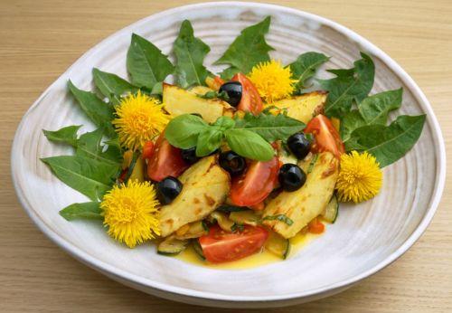 Kartoffel[-]salat mit Löwen[-]zahn