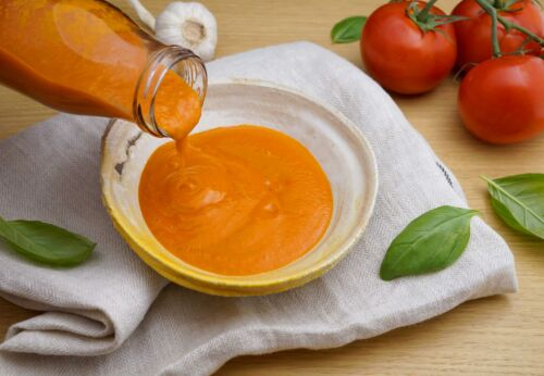 Selbst[-]gemachtes Tomaten[-]ketchup mit Erd[-]nussöl