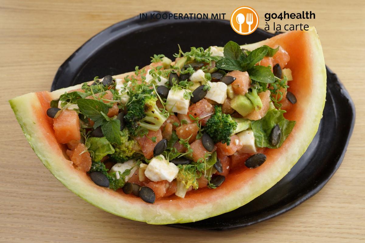 Sommer[-]salat mit Wasser[-]melone
