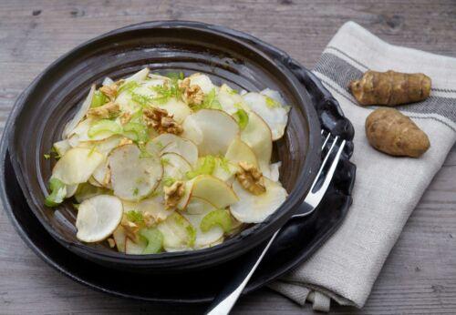 Topinambur-Salat mit Walnussöl